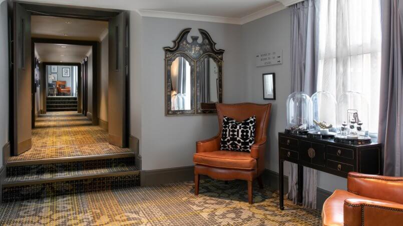 коридор отеля Шерлока Холмса