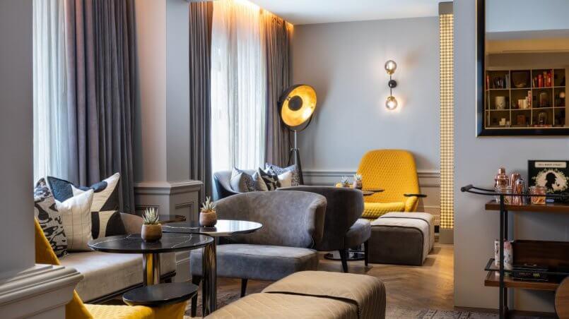 Отель Холмса комната